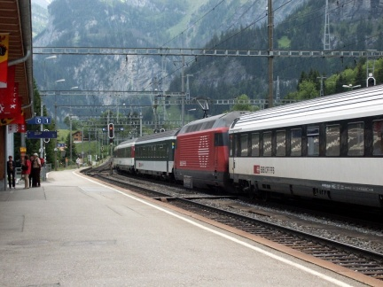 IC 886, SBB Re 460